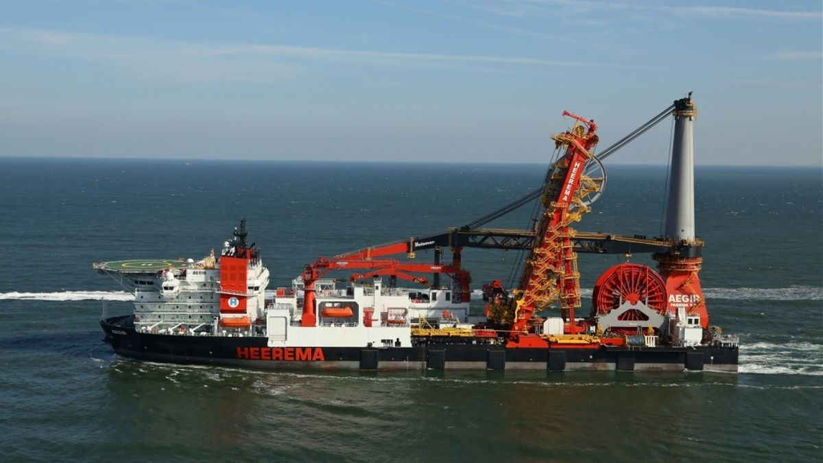 Aegir transported and installed a 1,650-tonne water-handling module for the Pluto Alpha platform (source: HMC)