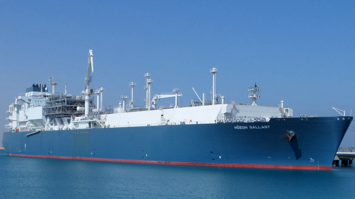 Three time charters tighten availability of Höegh LNG's fleet