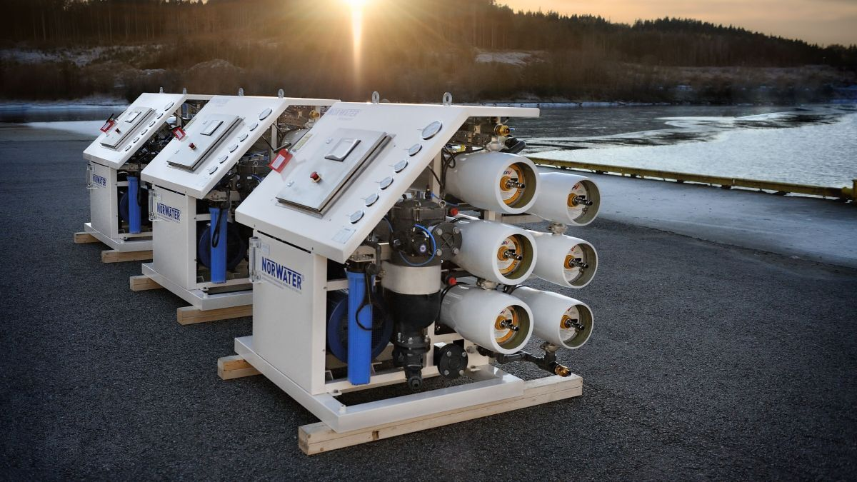 The Norwater system uses high pressure and membranes to convert seawater into freshwater for tank cleaning (source: Norwater)