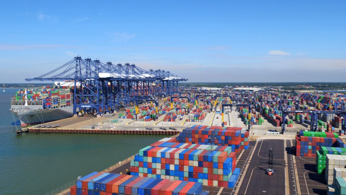 IoT sensors and AI will be used to optimise the maintenance cycle of Felixstowe's 31 quayside and 82 yard cranes (source: Port of Felixstowe)
