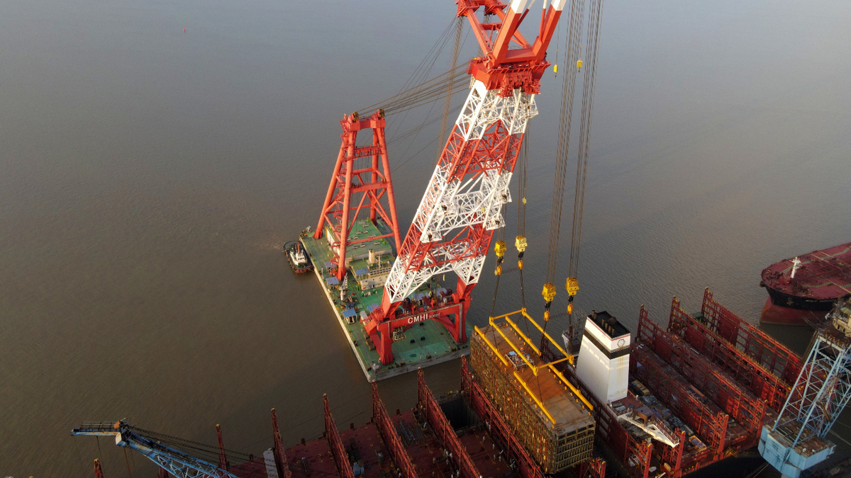 A pre-fabricated GTT membrane containment system was lifted into Hapag-Lloyd's ULCS as part of its conversion to LNG (source: Hapag-Lloyd)