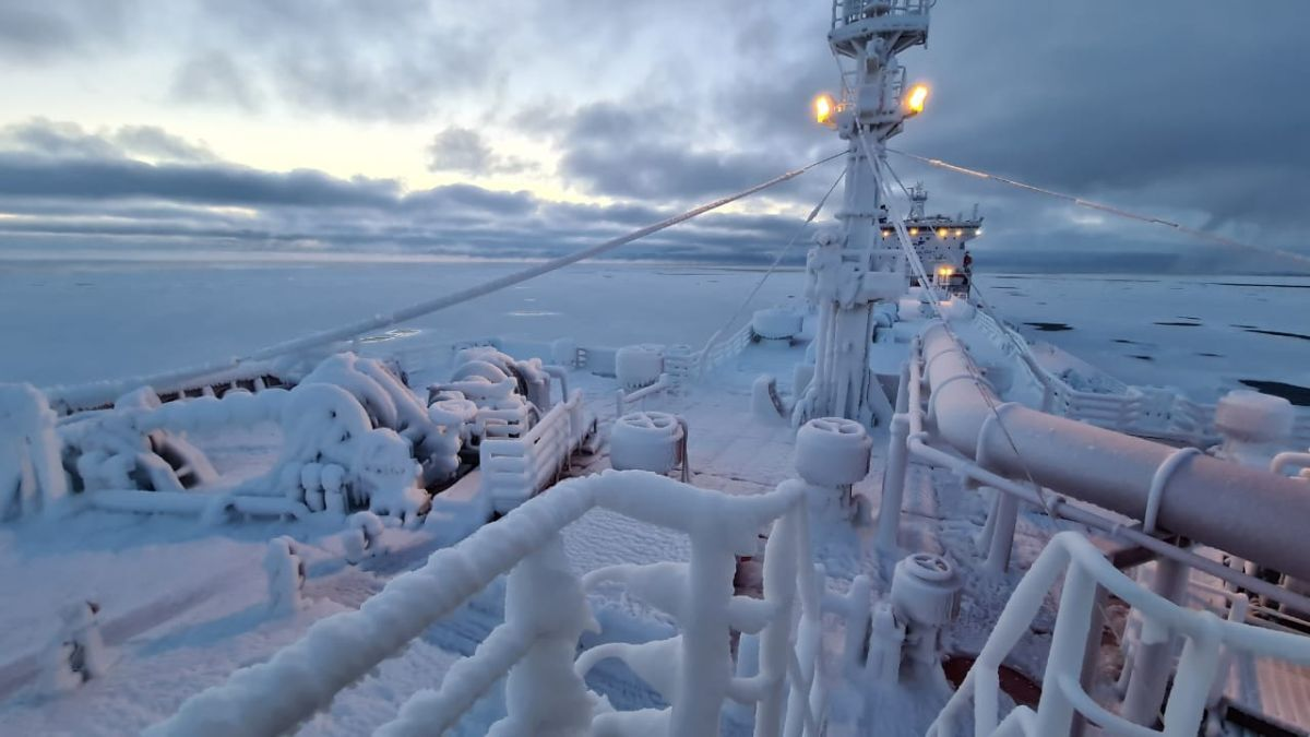 Steps need to be taken to prevent damage to deck equipment from icing (source: SCF)