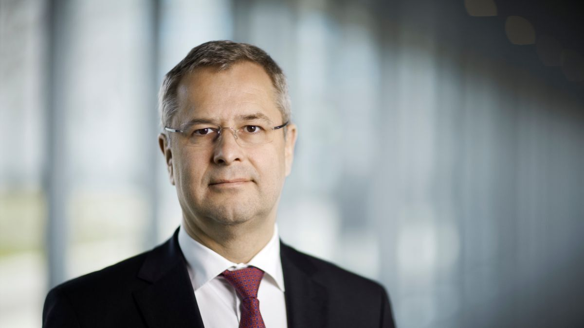 """Søren Skou (AP Moller-Maersk): """"Our ambition to have a carbon neutral fleet by 2050 was a moonshot when we announced it in 2018"""" (source: AP Moller-Maersk)"""