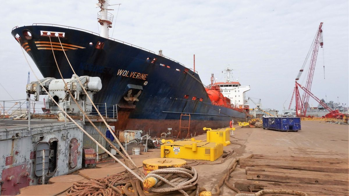 2004-built, 16,400-dwt chemical tanker NIS-flagged Wolverine is to be scrapped in the USA (source EMR)