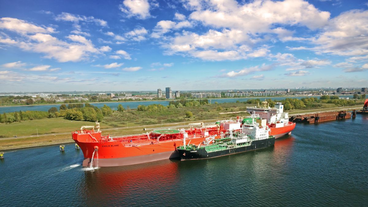 AET's LNG-powered Eagle Blane shuttle tanker (source: AET)