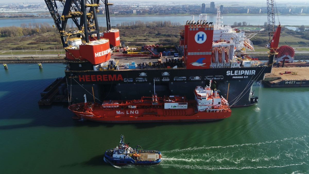 Sleipner, the world's only LNG dual-fuelled semi-submersible crane vessel, will have the capability to use shore power (source: HMC)
