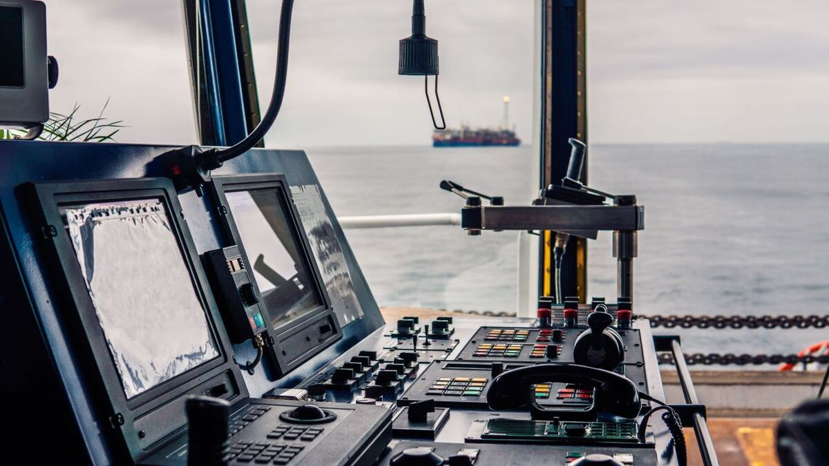 Bridge teams need to be familiar with vessel control systems (source: North P&I)