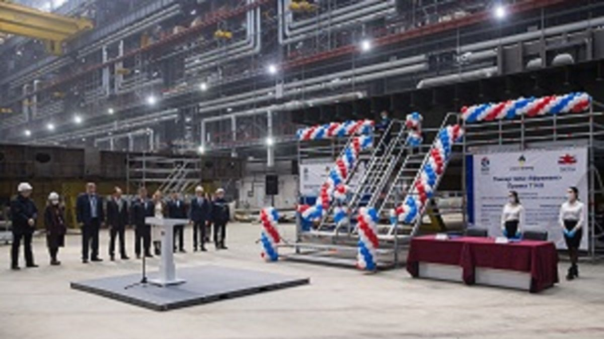 Zvezda Shipbuilding celebrates keel laying of seventh Aframax tanker in a series of 12 (source: Zvezda)