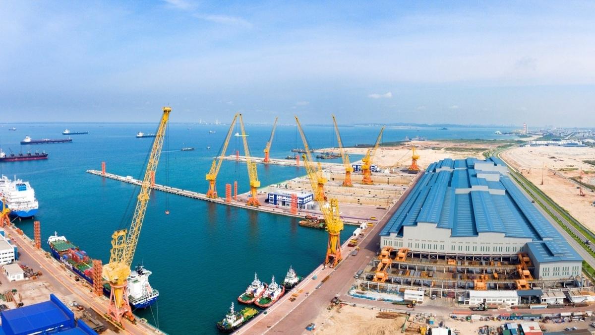 Sembmarine's Tuas Boulevard shipyard (Image: Sembcorp Marine)