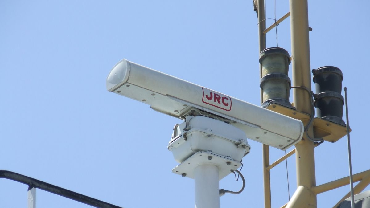 JRC radar on a tug wheelhouse for safe navigation and hazard detection (source: Riviera)