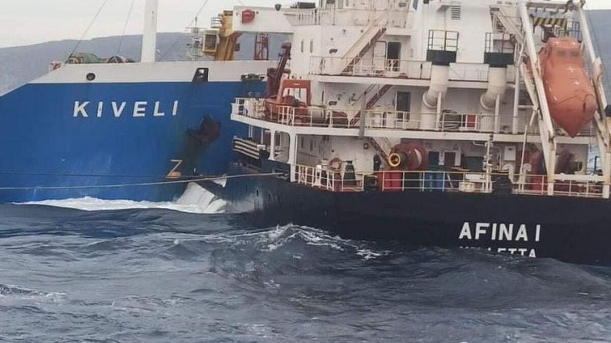 Tsavliris Salvage had to separate Kiveli's bow from Afina I's port side in Greece (source: Tsavliris)