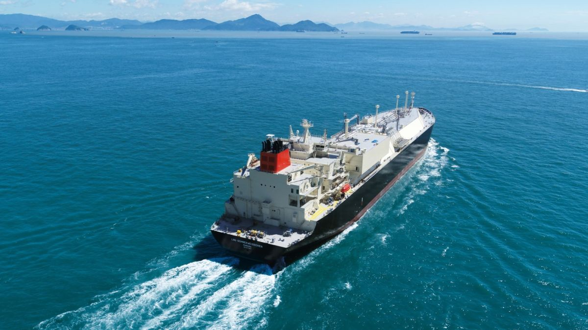 LNG Schneeweisschen and sister vessel LNG Rosenrot transport US LNG to Europe (source: Uniper)