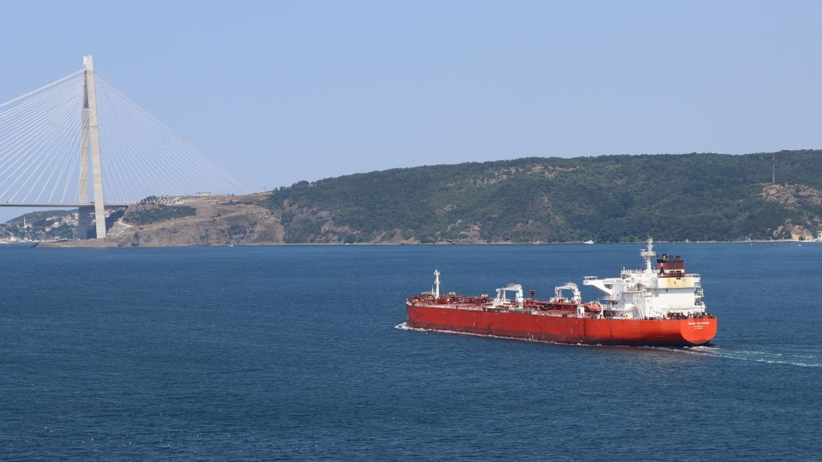 Stealth Maritime's Crude Centurion makes passage in the Turkish Straits (source: Stealth)
