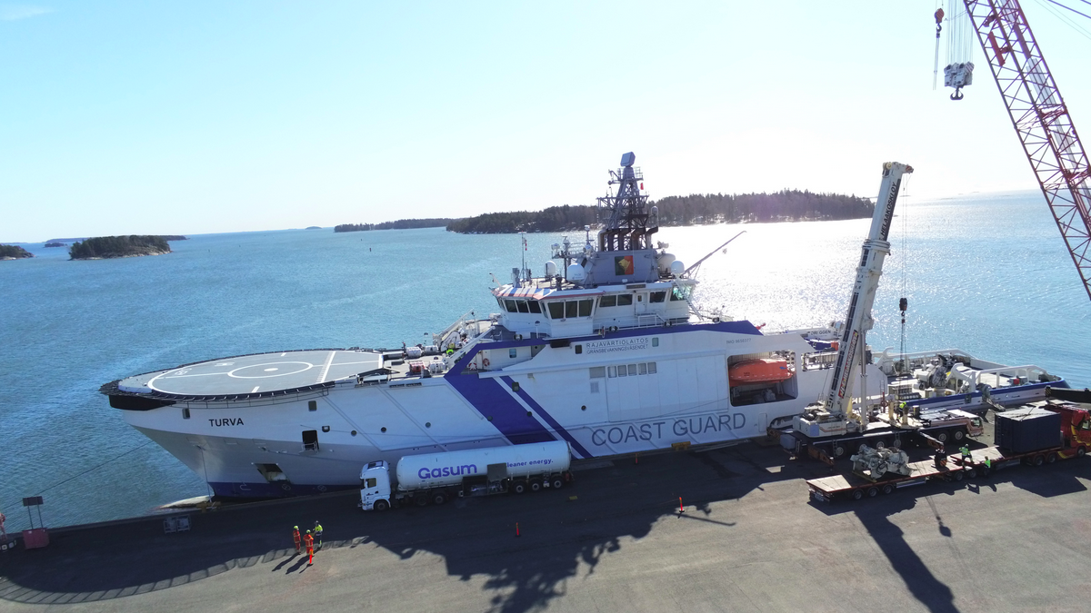 Turva - seen here being fuelled with bio-LNG for the testing programme  (© Finnish Border Guard)