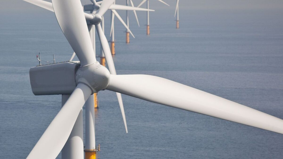 Azerbaijan plots shift from fossil fuels to offshore wind