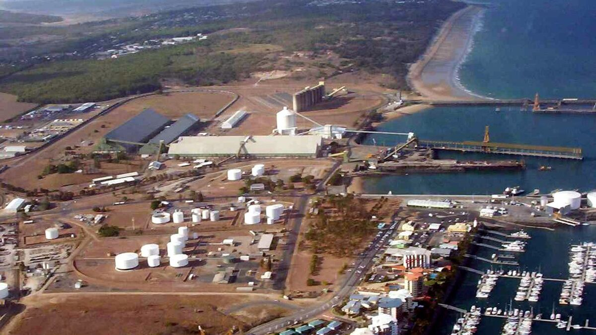 Port of Mackay is one of the world's largest sugar export centres (source: Wikimedia Commons)