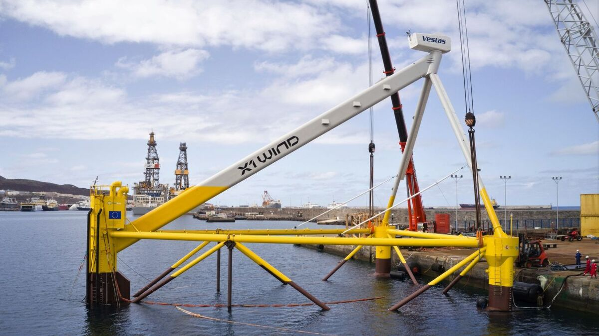 The prototype PivotBuoy will be installed at PLOCAN in a water depth of 50 m and connected via a dynamic 20-kV cable