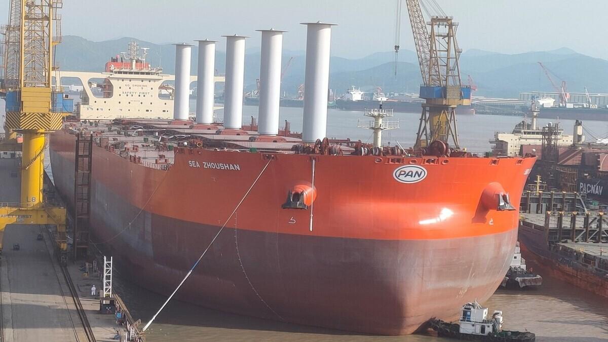 Norsepower sail on bulk carrier