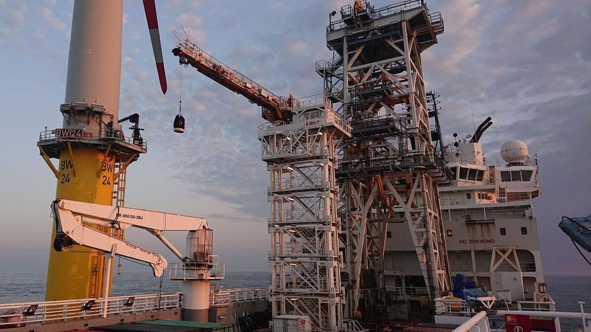 Skandi Constructor is using its SMST motion-compensated gangway for offshore wind projects in the North Sea and Baltic