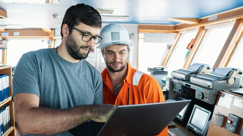 VSAT & IoT: The Two Essentials for Maritime Digitalization