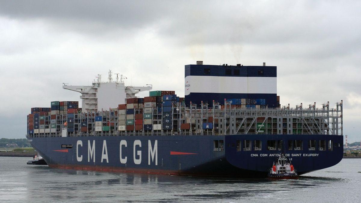 Tugs assist a CMA CGM container ship in Rotterdam (source: Andrey Sharpilo/Unsplash)