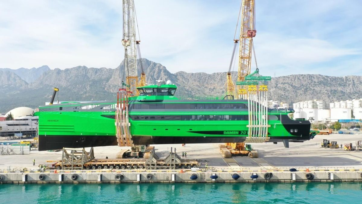 Damen's FCS 7011 can transport 122 people in a single voyage to offshore installations (source: Damen)