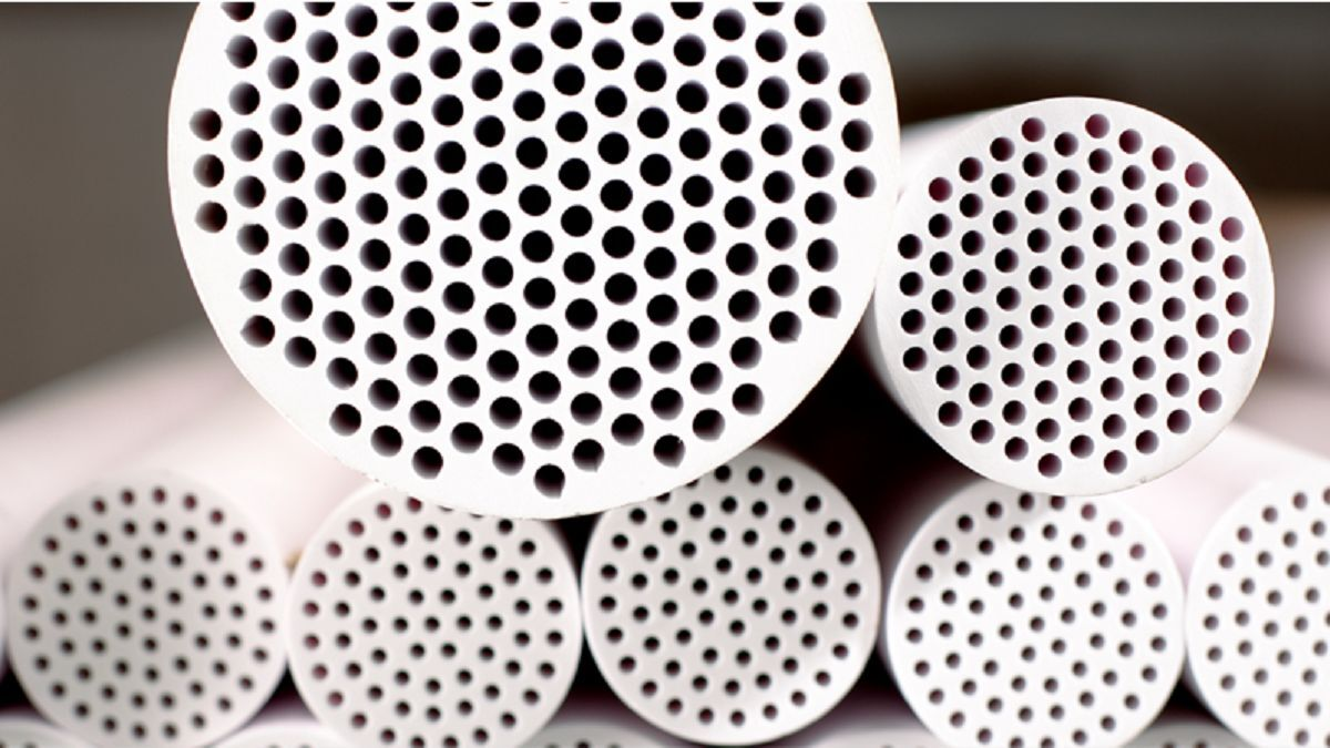 Ceramic membranes: homogenous pore size, high filtration area, high flux rate (source: Boll & Kirch)