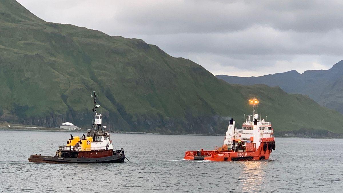 Resolve Marine's tug Miki Hanna tows a distressed vessel in Alaska (source: Resolve)