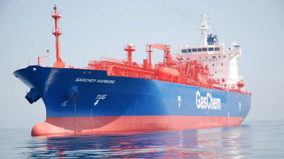 MOL has time-chartered Green Pioneer (ex-Gaschem Hamburg, shown) to transport ammonia for Tammo (source: Hartmann)