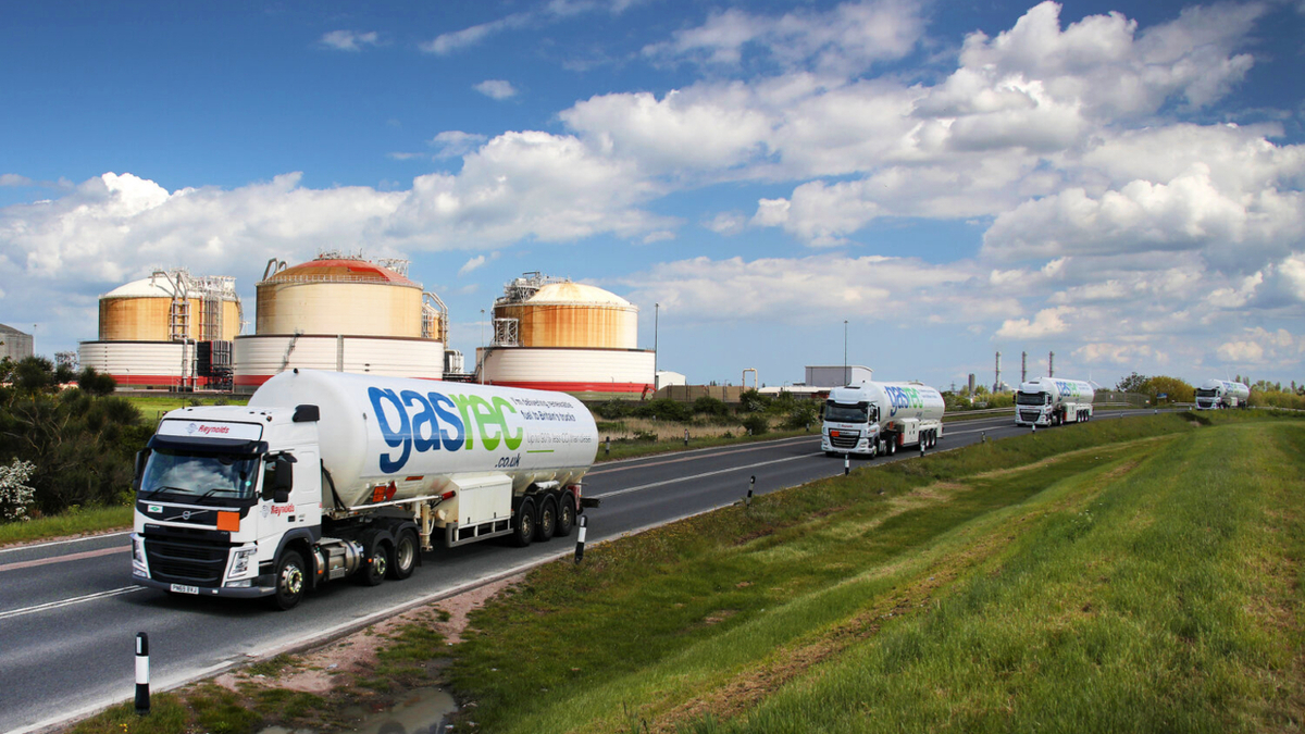 Demand for LNG as a road fuel has been soaring, with Grain LNG filling 310 cryogenic tankers in March, a new monthly record (source: Gasrec)