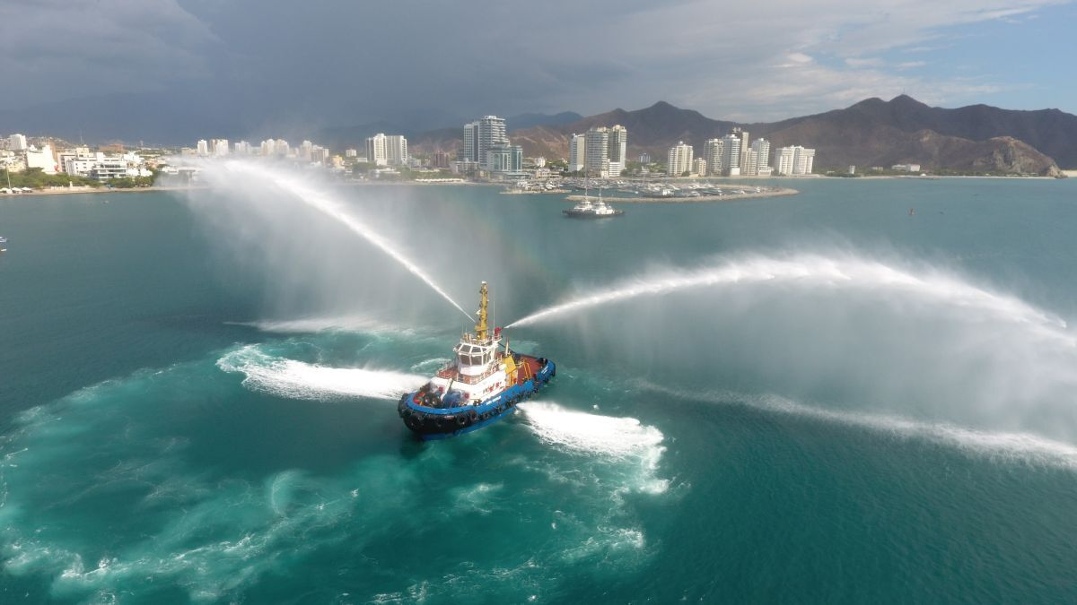 Med Marine-built Caño Cristales tests its fire-fighting monitors in Cartagena (source: Ultratug)