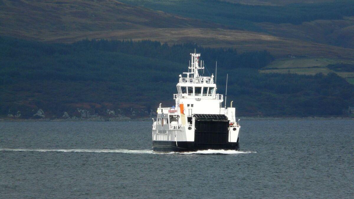 Hydrogen fuel cell HYSEAS III ferry moves forward