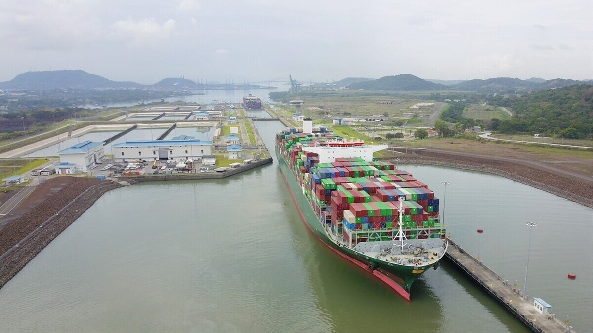 The Panama Canal has extended the maximum allowable lengths for vessels transiting the Neopanmax locks (source: Panama Canal Authority)