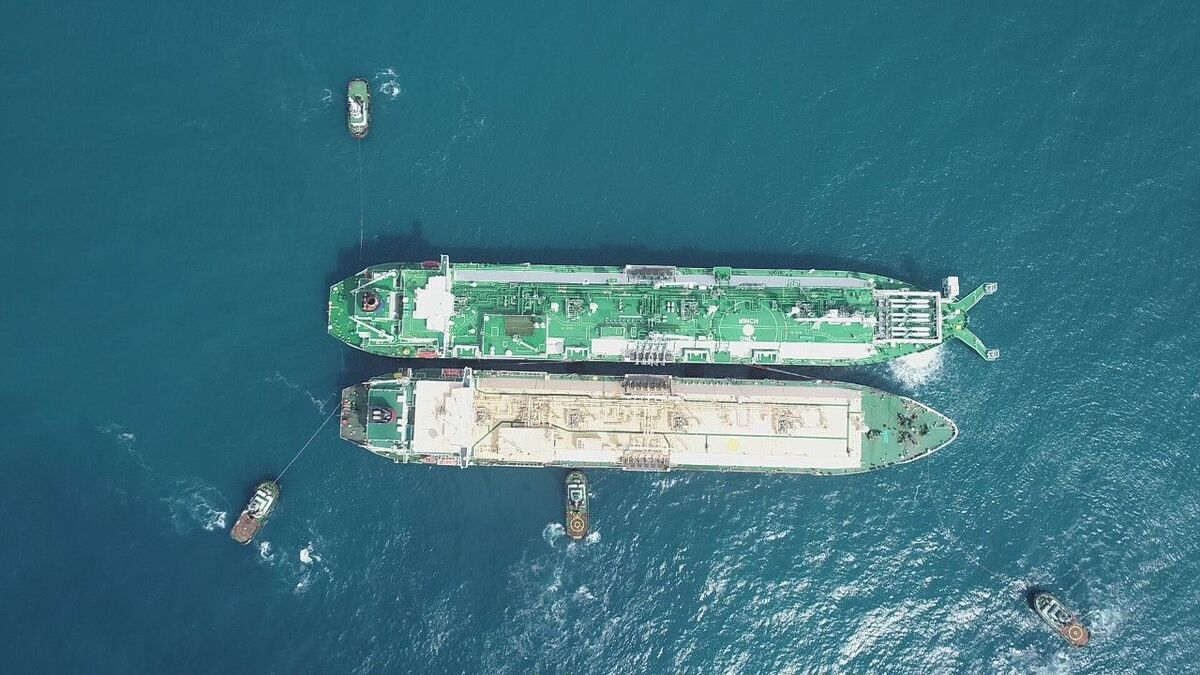 Wilson Sons tugs support LNG ship-to-ship transfer offshore Brazil (source: Wilson)