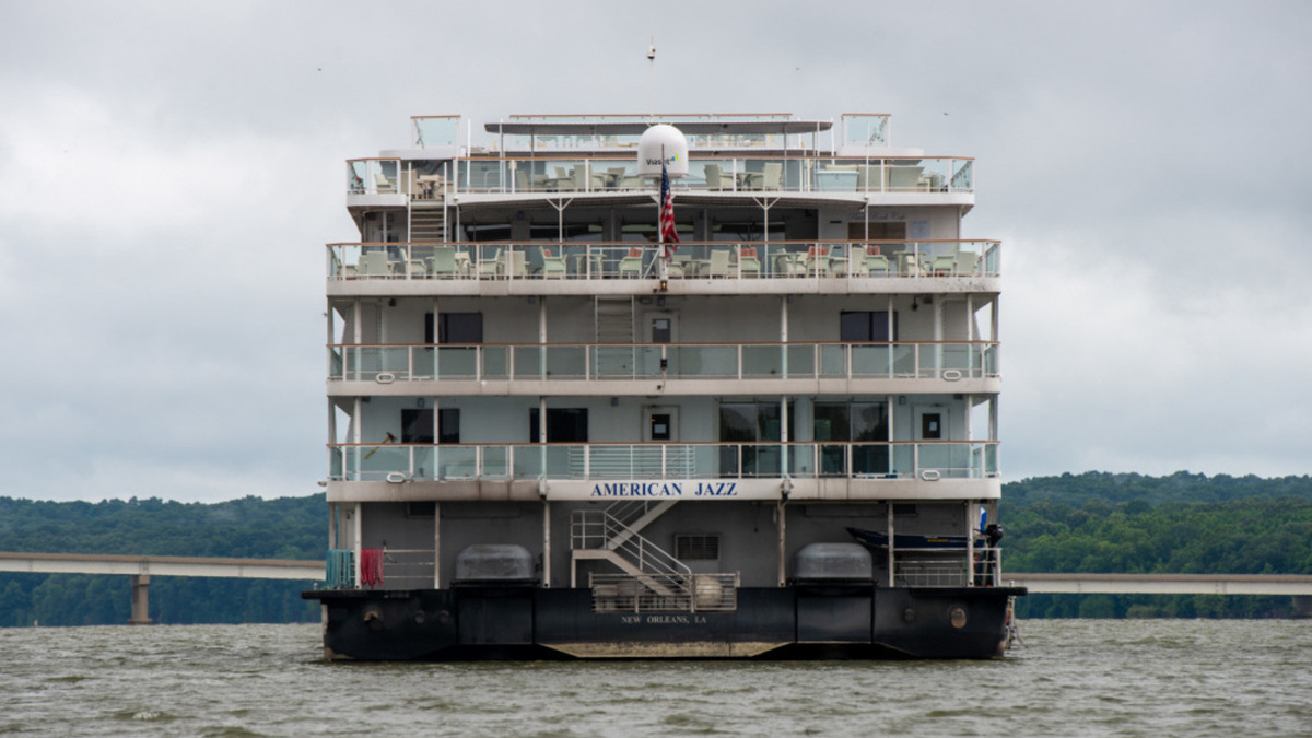 Update: Riverboat American Jazz refloated