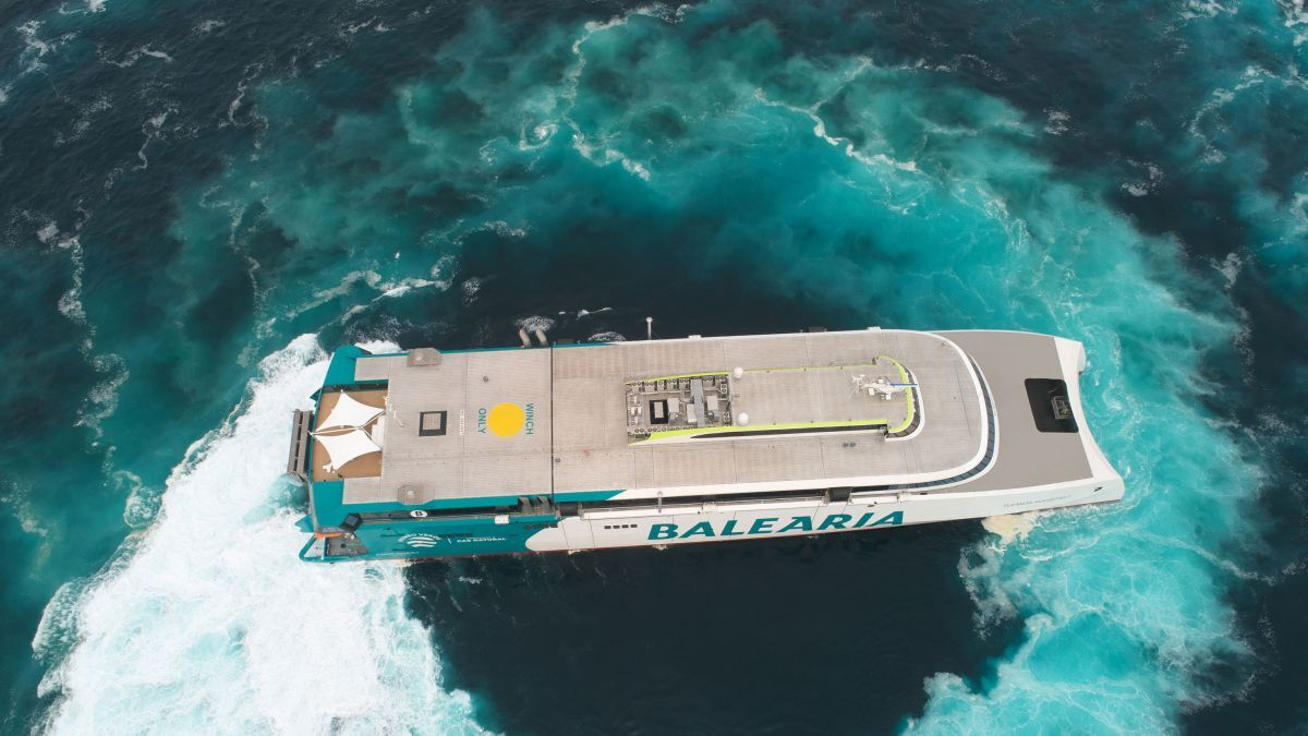 The use of LNG fuel combined with Incat Crowther's latest-generation hull form offers relatively low fuel consumption for a vessel of this size (source: Baleària)