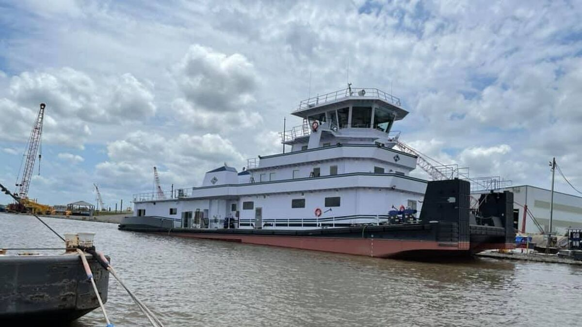 Kirby's new inland towboat Bowling Green was delivered from C&C Marine (source: Facebook/Kelly Fuller)