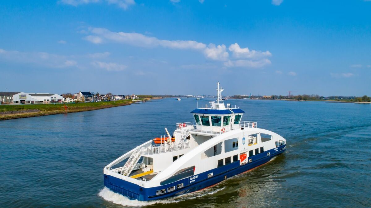Sandøy is emissions-free and entirely powered by battery power with an installed capacity of 1.300 kWh (source: Holland Shipyards Group)