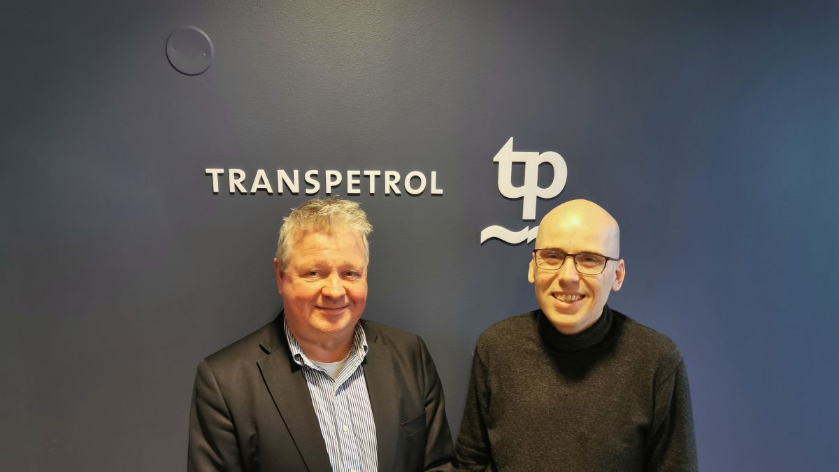 Thor Erik Hagen (left) and Carl Groven (right): Expressed their pleasure with the service received from Seagull (source: Transpetrol)