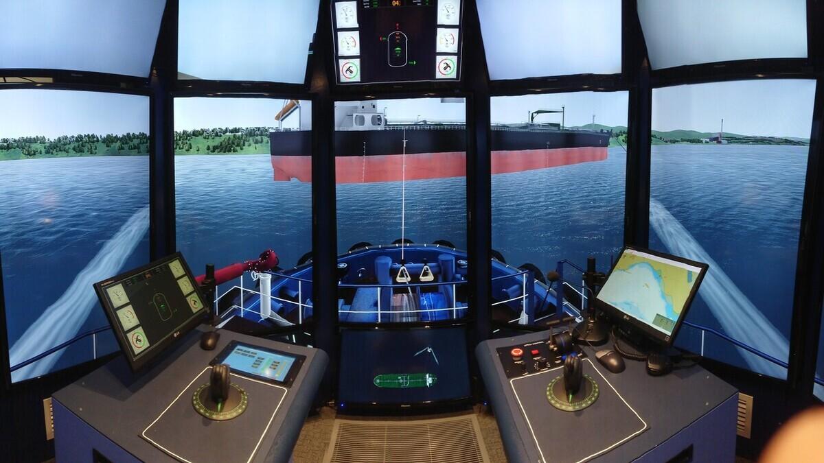 AMC recently installed two Rotortug simulator bridges, the first of its kind on Tasmania and Australia's east coast (source: Australian Maritime College)