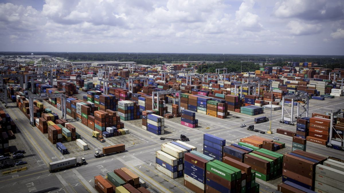 US box ports: soaring volumes, battling congestion and boosting facilities