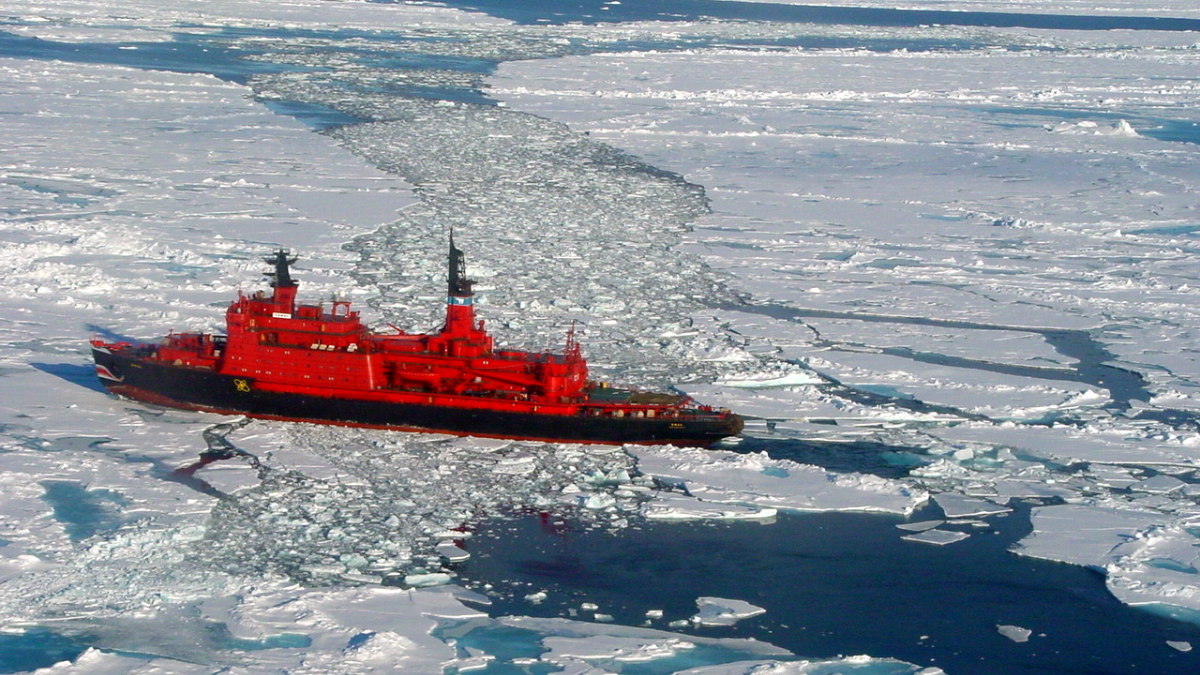 Russian Arktika-class nuclear-powered icebreaker Yamal operated by Atomflot (source: <a target='_blank' rel='nofollow' href='https://en.wikipedia.org/wiki/Yamal_(icebreaker)#/media/File:Nuclearicebreakeryamal.jpg'>Wofratz</a>, own work)