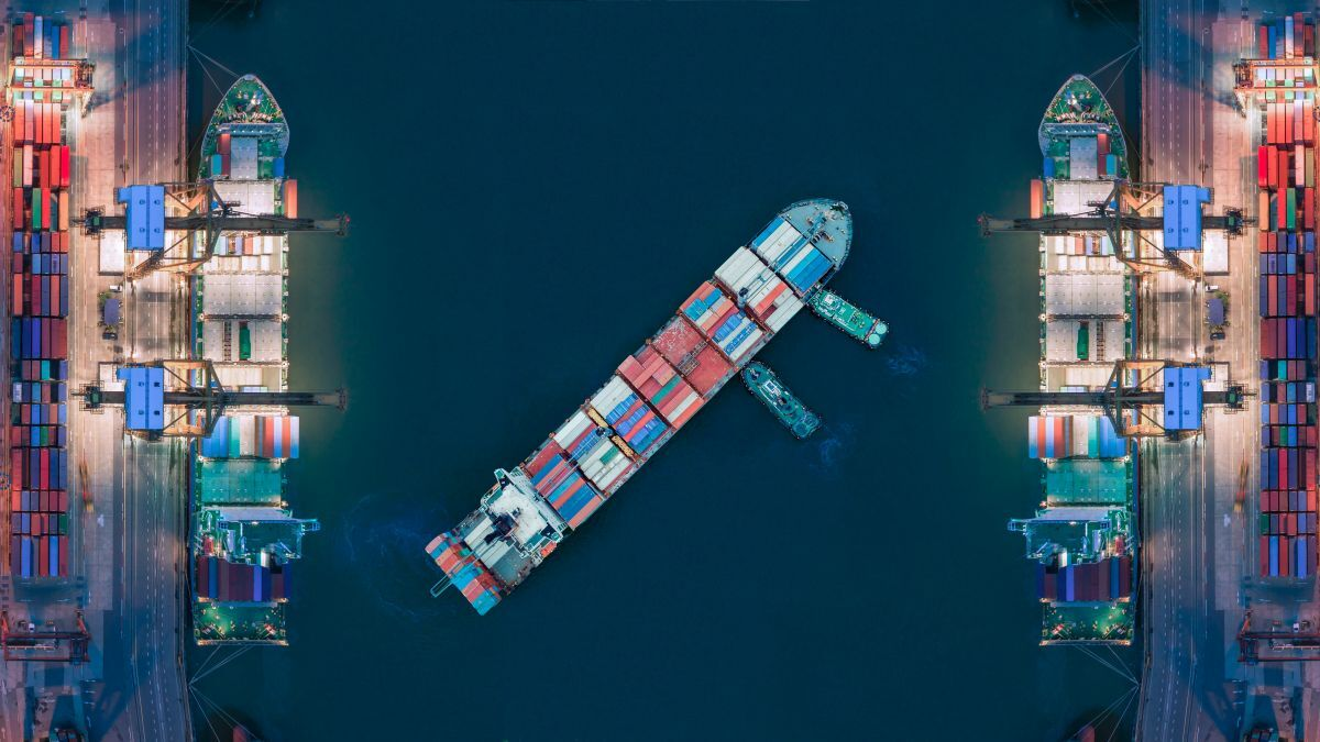 Terminal lighting can impact safety of ship manoeuvring operations (1).jpg