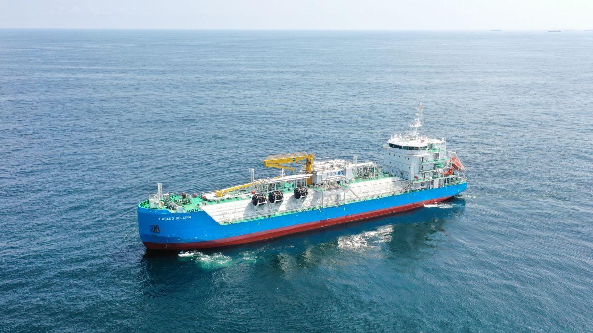 Singapore's smart LNG bunkering vessel raises the game