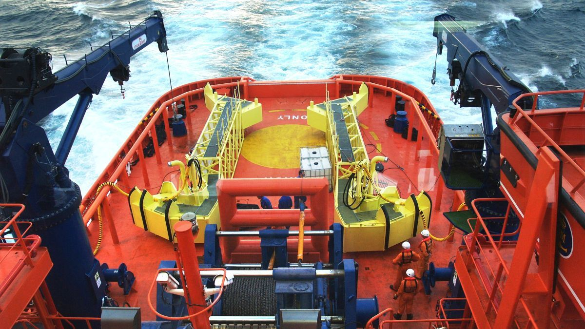 Aft deck on Luz de Mar with dedicated emergency response equipment (source: PWSRCAC/Armon)