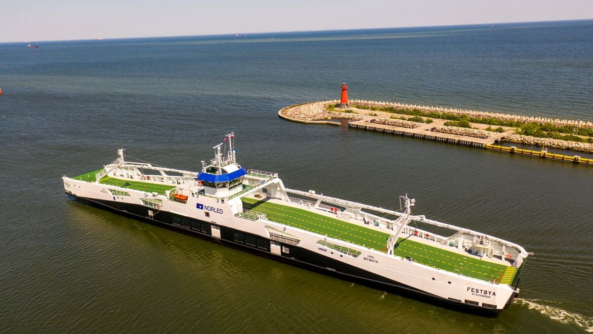 Norled's battery-hybrid ferry scoops Shippax Award