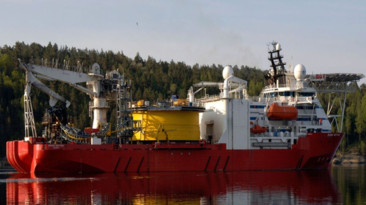 2001-built CSV Skandi Neptune was sold by DOF Subsea (source: DOF)