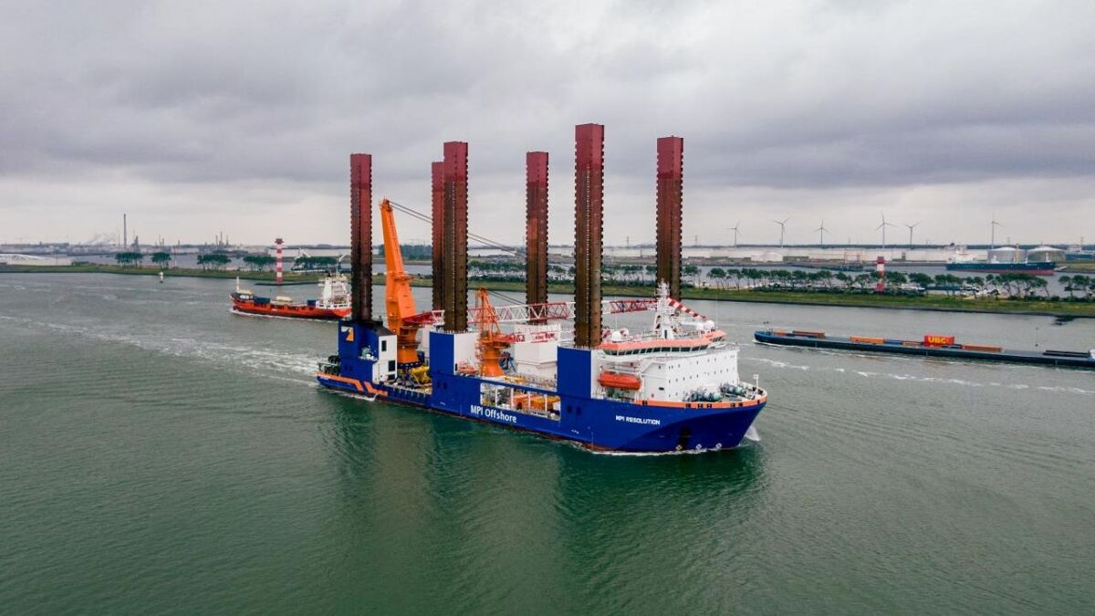 MPI Resolution will install 10 foundations and turbines for the Taranto offshore wind project (source: Van Oord)