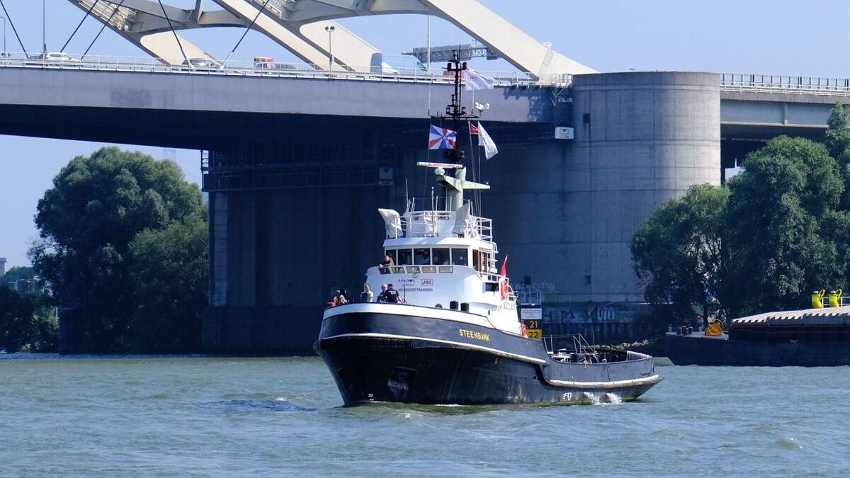 Alphatron has started training on Steenbank tugboat in Rotterdam (source: Alphatron/Ernst Lohmann)