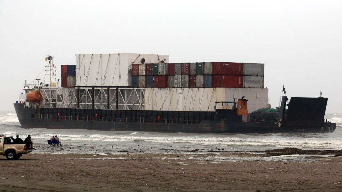 Tugs assist stranded ships and salvage projects in Asia